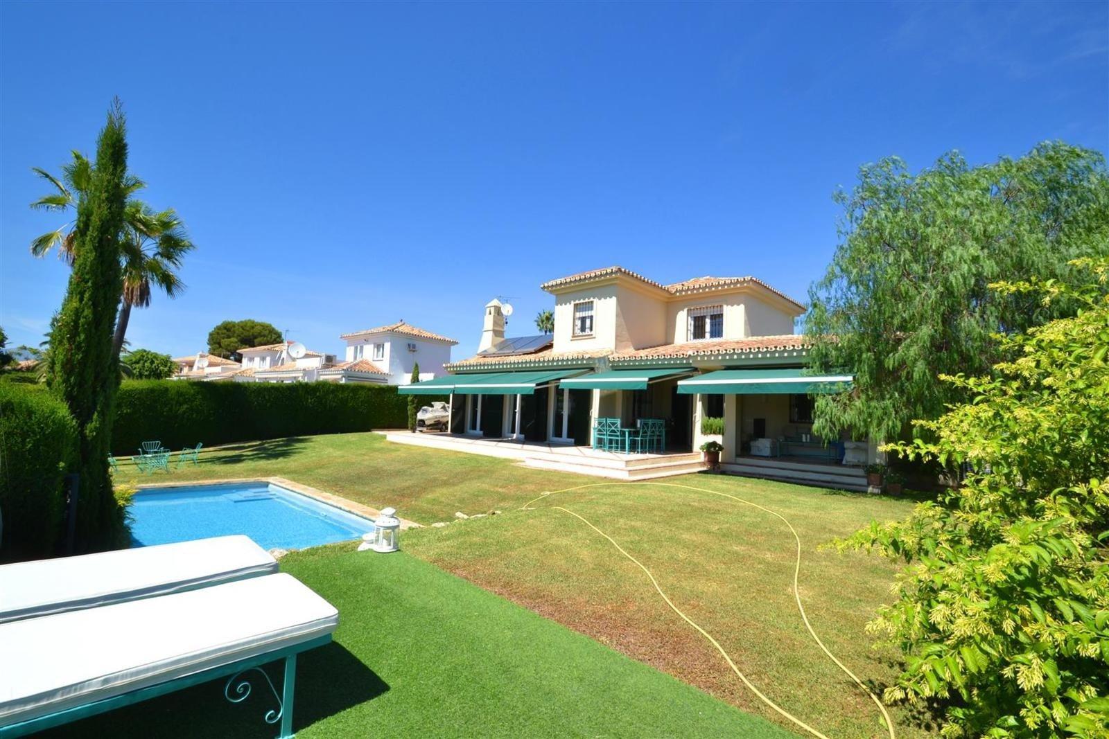 Villas for Sale in Calahonda