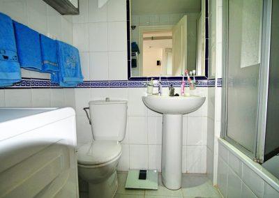 2 Bedroom penthouse in Benalmadena Costa (11)